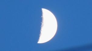 Moon_042015re2