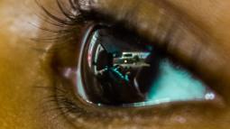 colin-in-shawn-eyes_ldpfotoblog_webcrop
